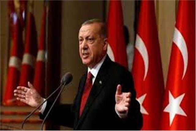 تركيا تقيل محافظ البنك المركزي بعد يومين من رفع سعر الفائدة