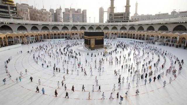 السعودية تقرر قصر الحج لهذا العام على المواطنين والمقيمين